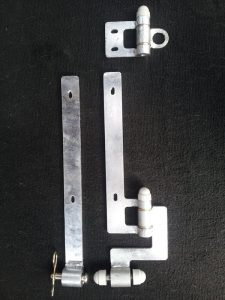 Galvanized finish double action tailgate hinges